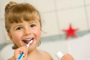 虫歯菌がなかったことに!?歯医者さんが作った『虫歯予防歯磨き粉』とは?