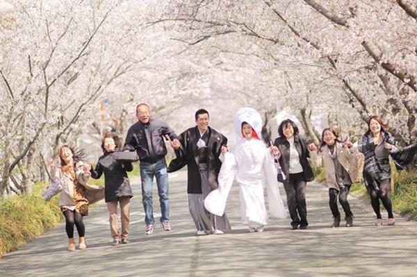 今からでも結婚式する?挙式すると夫婦はハッピー★_5