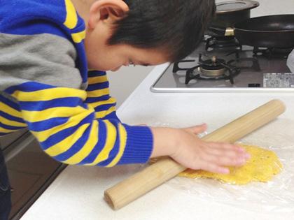 野菜の恵みを片手でパクッ!手作り『にんじんプリッツ』_5