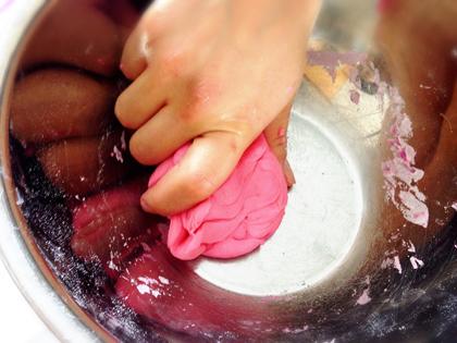 超簡単に作れちゃう!安全、楽しい♪『小麦粉粘土』作り_5