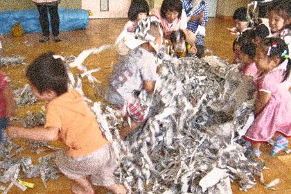 雨の日はどう過ごす?子どもが喜ぶ『おウチ遊び』9選★_5
