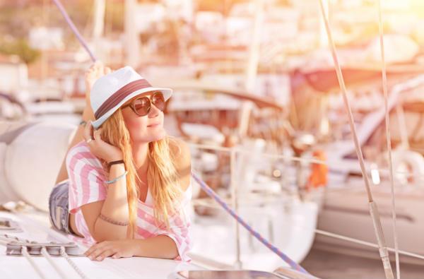 暑くなったら海外旅行!渡航先で女性が巻き込まれやすいトラブルって?