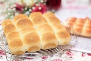 誰でも簡単にパンが焼ける!『日本一簡単に焼けるパンレシピ』がオススメ!