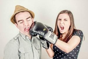 夫婦喧嘩は夫の暴力より妻の暴力が深刻化?