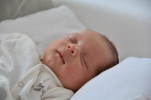 赤ちゃんが初めての発熱!どうしたらいい?対処法のまとめ