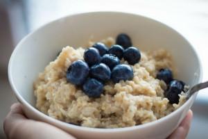 アン・ハサウェイも実践!『オートミール』で健康的にダイエット!
