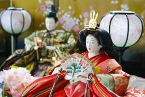 リカちゃん、ミッキーも登場!!2016年、人気のひな人形