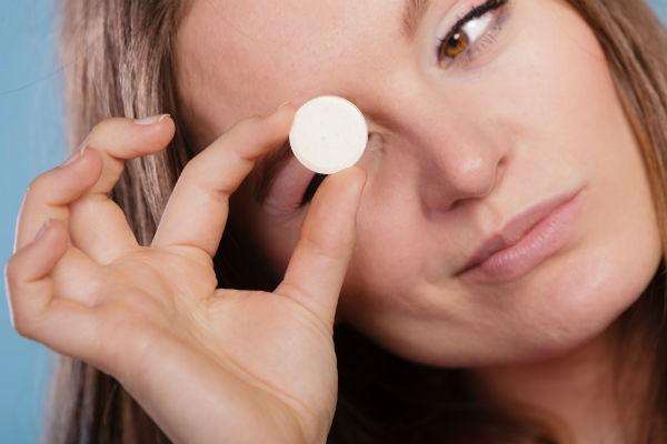 花粉症の薬に副作用!?点鼻薬の長期間使用は絶対NG?