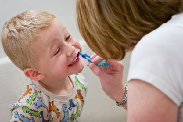 『歯髄バンク』ってなに?乳歯や親知らずを捨てないで再生医療に!