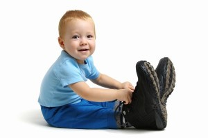 """""""少し大きめは""""NG!!子どもの足トラブルを防ぐ靴の選び方"""