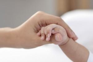 やはり母は強かった!ポルトガルで脳死した女性が男の子を出産