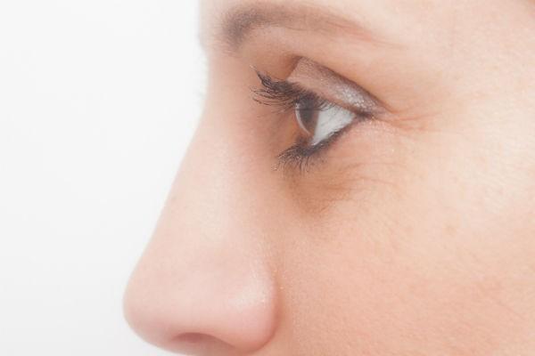 子どもの目の光り方に注意!『網膜芽細胞腫』の見つけ方