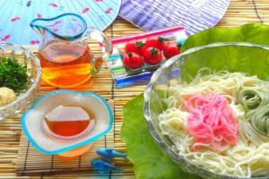 暑い夏にピッタリ!つるっと食べやすい『そうめん弁当』の作り方