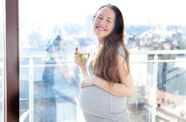 麦茶に飽きたらコレ!妊婦さんや子どもも飲めるノンカフェインのお茶6選