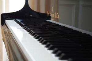 電子ピアノじゃダメなの?安く買うには?ピアノ購入前に知りたいお得情報