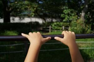 子どもの握力 鉄棒