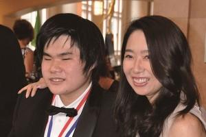 天才ピアニスト辻井伸行さん。彼を全力で支えた母の強さのヒミツとは?
