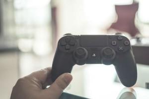 知らないと危険!ゲームソフト購入前には『年齢別レーティング制度』をチェックして!