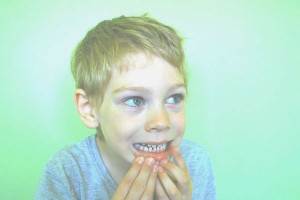 歯医者さんに聞いた!虫歯になりやすいお菓子&なりにくいお菓子まとめ