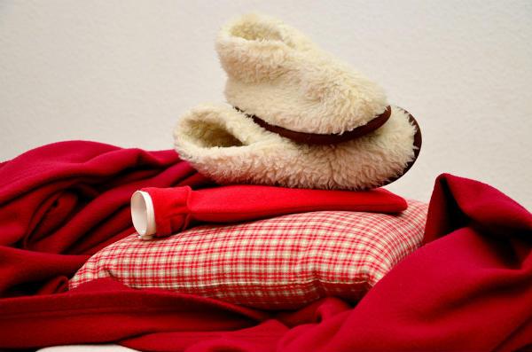 部屋も心もほっこり♪しまむらの『ラウンド毛布』活用法