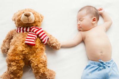 赤ちゃん 非対称性緊張性頚反射