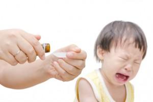こんな飲ませ方はNG!乳幼児にお薬を飲ませるコツ