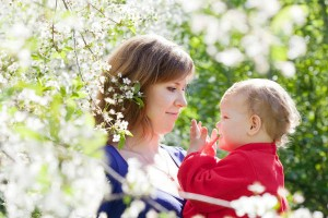 何か月からOK?赤ちゃんと初めてのお花見を楽しむポイント3つ