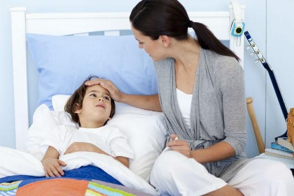 幼稚園、熱が何℃だったら休ませる?発熱時の正しい対応を知ってベストな選択を