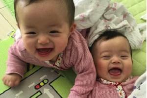 天使×2!フォロワー1万人超えの双子ちゃんがかわいすぎると話題!