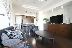 息子が3人いてもこんなにキレイ!プチプラで作るmariさんのホテルライクな部屋をマネしたい!