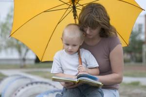 楽しい絵本で梅雨を乗り切ろう!雨の日が好きになれそうな絵本7選