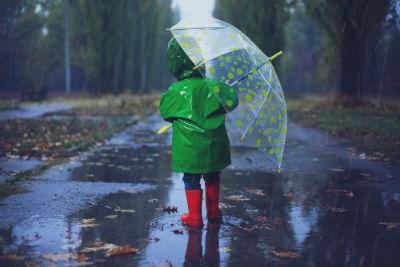 子どもに傘を持たせるときの注意点