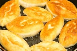 オーブン不要!フライパンで作るお手軽パンレシピ7選