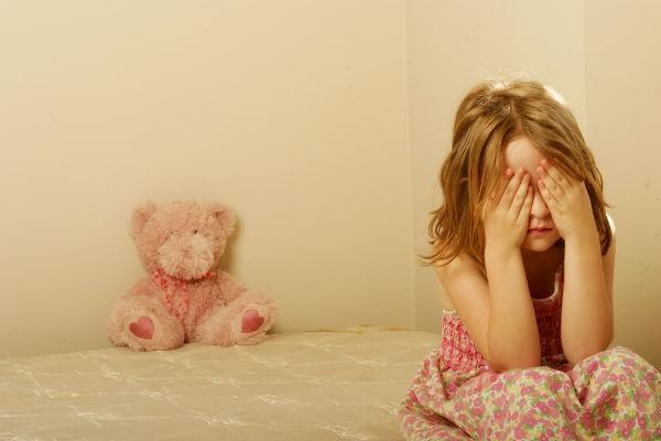 笑わない子どもは病気なの?『愛着障害』は3歳までの親の接し方で決まる