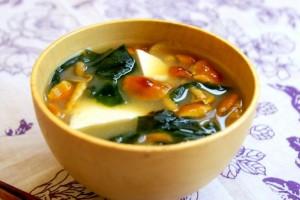 お腹一杯食べてOK!簡単レンチン「味噌汁ダイエット」でスリム体型を叶える