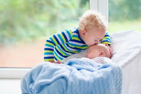 上の子1歳で2人目妊娠!先輩ママに聞く1歳差育児の苦労体験談