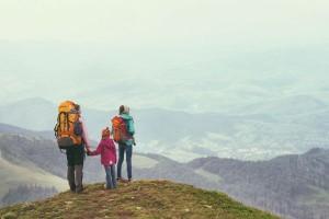 自然に触れ合い達成感も味わえる!子連れで行ける登山スポット5選~関東編~