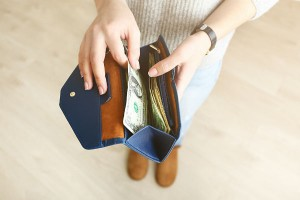 「その財布いくら?中身は何円?」なかなか聞けない子育てママのお財布事情