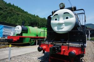 乗って遊べて子ども大人もテンションハイに♪全国の『キャラクター列車』3選