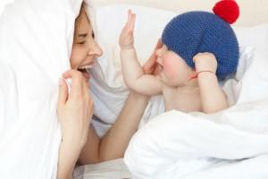生後4ヶ月の赤ちゃんと楽しく遊んで脳の成長も促そう!