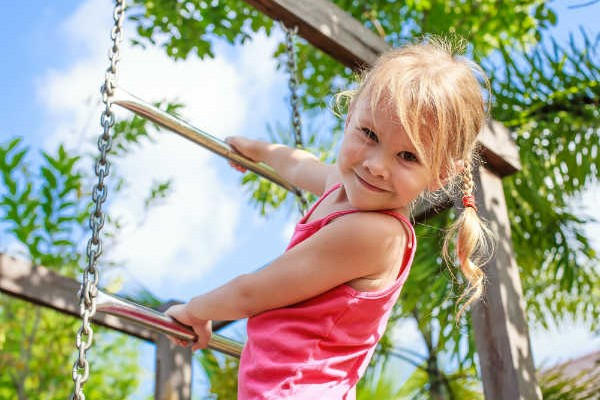 子ども1人での外遊びは何歳からOK?注意点をおさえればメリットもたくさん!