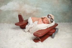 生後6ヶ月でも大丈夫!赤ちゃんを飛行機に乗せるときに知っておきたい8つのこと
