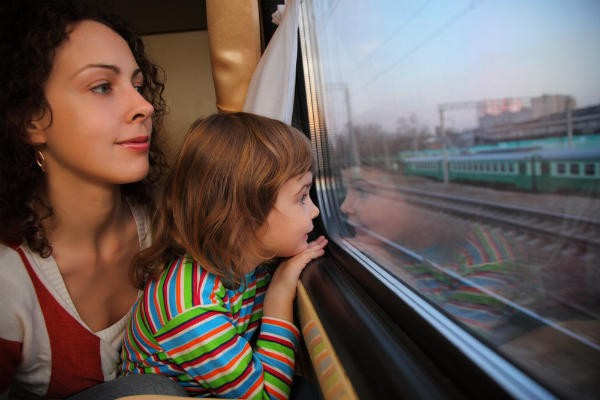 行き交う電車に子鉄もママも大喜び♪東京駅すぐの『M&Cカフェ』が素敵すぎる!