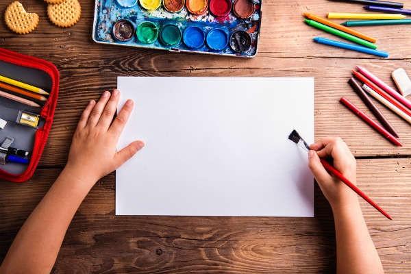 インスタで人気の12歳!Laraちゃんの描く絵がハイセンスで素敵!