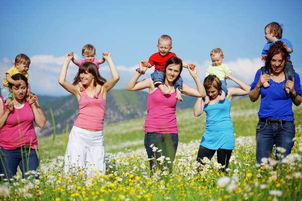 親同士が子どもを預け合う『なかまほいく』が全国各地で拡大中!