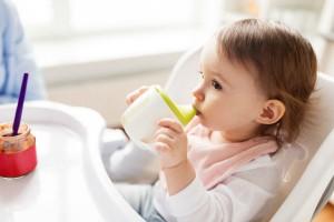 大人用の野菜ジュースは1歳にはまだ早いかも!その理由とは?