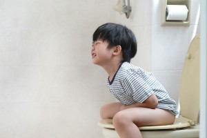 子どもの便秘がヤバい!?小学生の3人に1人が便秘・便秘予備軍と判明!