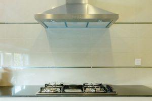 キッチン雑貨の収納にもう困らない!100均の『レンジフードフック』がかわいくて超便利!