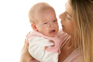 """これは広めたい!『赤ちゃんが""""泣いてもいいよ!""""ステッカー』でママに「大丈夫だよ」と伝えたい!"""