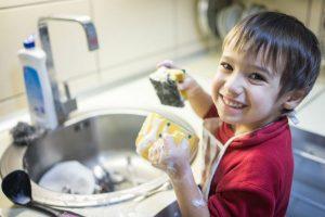 段取り力が身につく!子どものお手伝いは『食器洗い』が良い理由とは